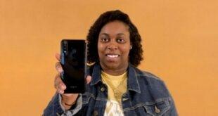 Akıllı telefon markası kuran kadın