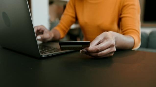 Online alışveriş ile tasarruf etmenin püf noktaları